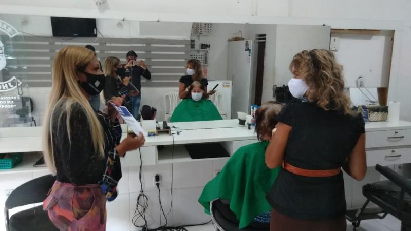 Salões e barbearias voltaram a funcionar deste o dia 6.