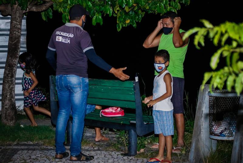 Fiscais da Prefeitura de Belém cobraram dos frequentadores o cumprimento da lei