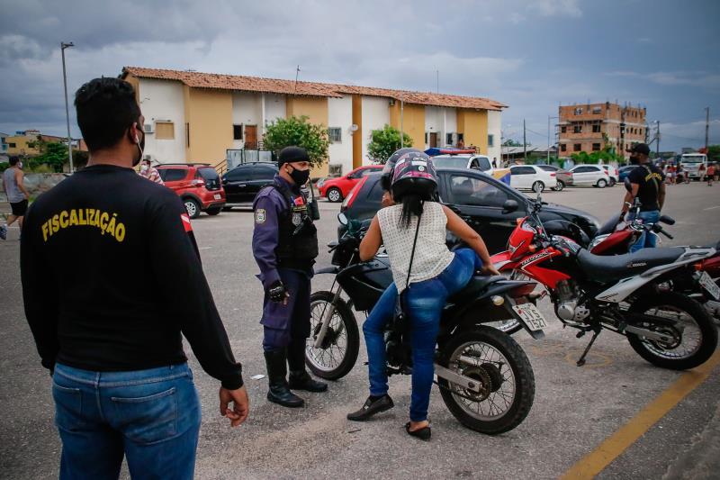 Guardas municipais mandaram as pessoas voltarem para casa