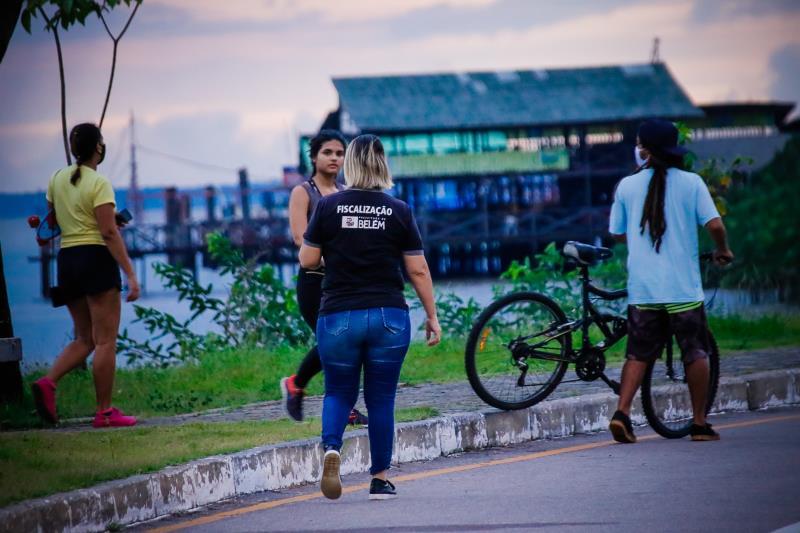 Mais de 200 pessoas foram abordadas pelos fiscais no Portal da Amazônia