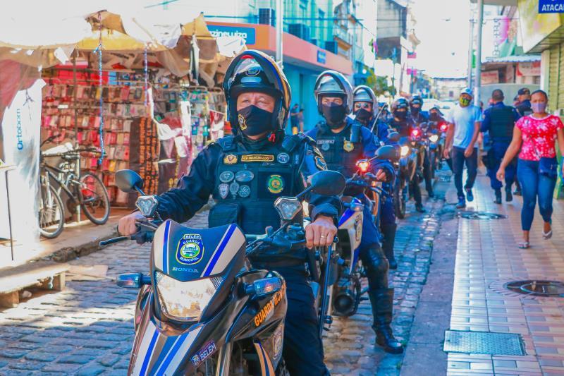 Órgãos de segurança municipal intensificam fiscalização em estabelecimentos da cidade.