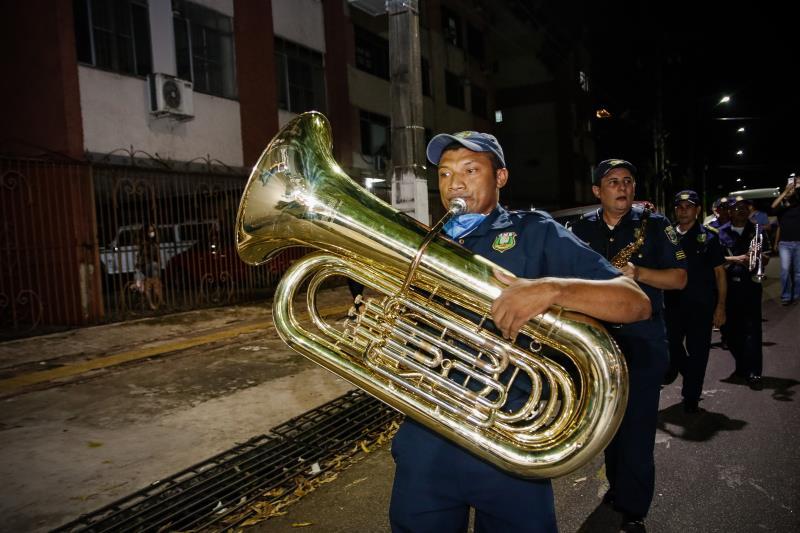 Músicos da Guarda percorreram a avenida Nazaré, até a Codem