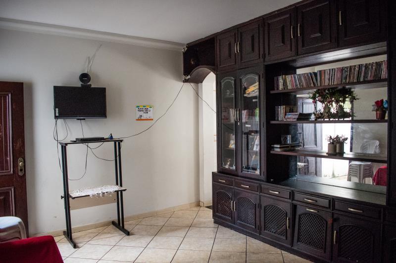 O município conta com uma casa que oferece acolhimento provisório de mulheres, acompanhadas ou não de seus filhos menores de idade.