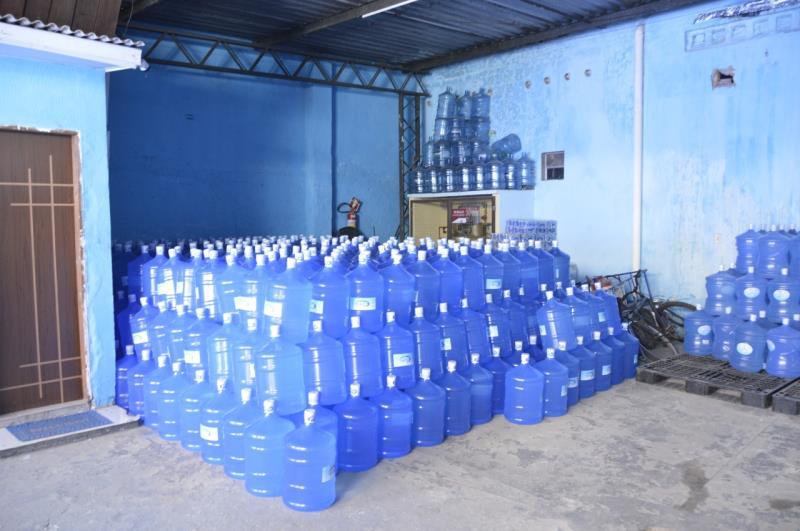 Os estabelecimentos de venda de gás de cozinha e água mineral na capital paraense.