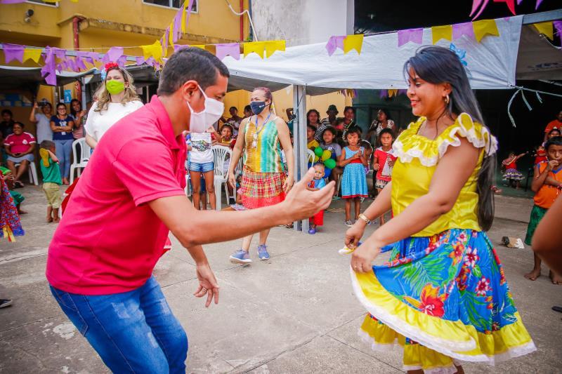 A programação contou com apresentações de danças típicas e contemporâneas, brincadeiras típicas e oficinas de desenho e pintura.
