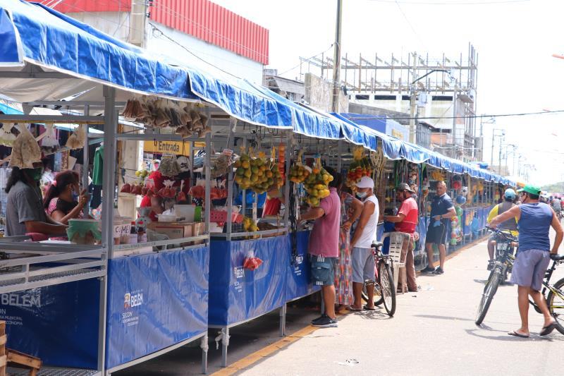 O distrito de Icoaraci também foi contemplado com o programa de padronização e reordenamento das feiras livres de Belém.