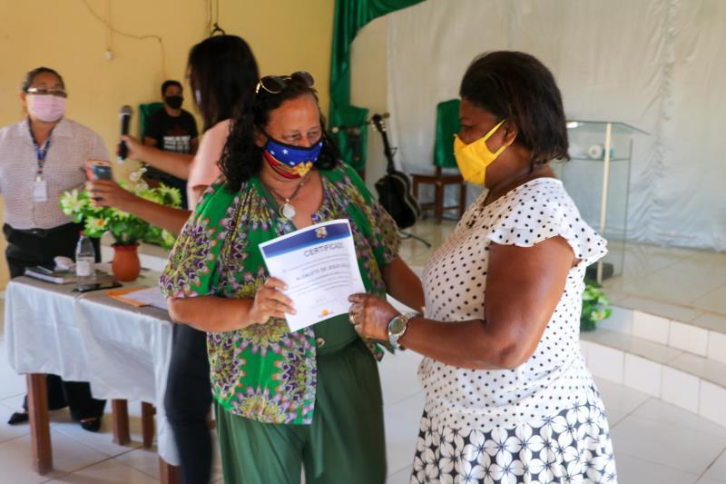 Na última quinta-feira, 23, foram certificados 60 alunos, do curso de Cuidador de Idosos.