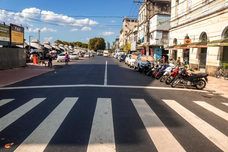 No centro histórico, a pavimentação e sinalização de oito vias, dentre elas as ruas Padre Champagnat, João Diogo e 16 de Novembro, já garantiu 2,3 quilômetros aos moradores da Cidade Velha e ao trânsito daquela área.