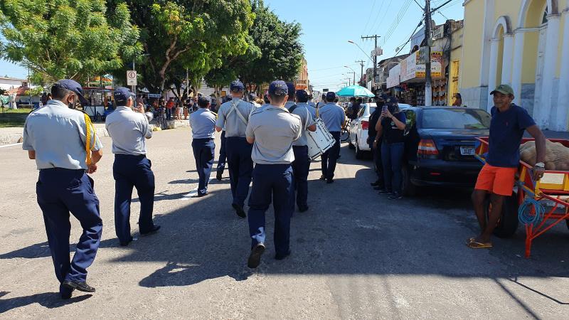 Guardas músicos percorreram ruas e a praça da Vila neste sábado, 1