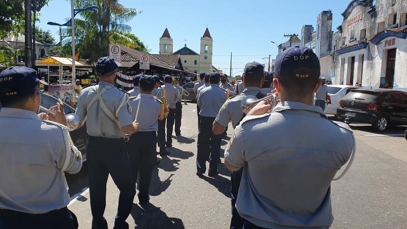 Os músicos da Guarda tocaram ritmos nacionais e internacionais para as pessoas que estão em isolamento ou cumprindo as normas contra a covid-19
