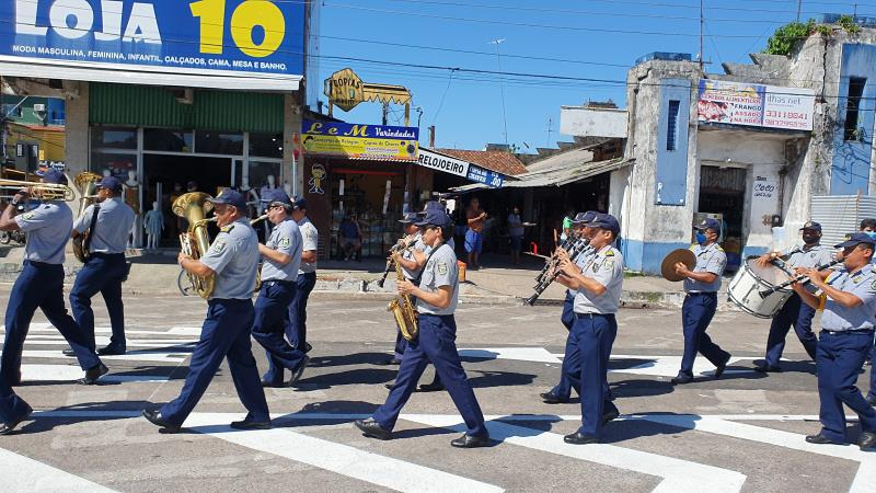 """A ação """"Som em Movimento"""", que teve início no mês de março, já percorreu mais de 20 bairros de Belém levando música instrumental"""