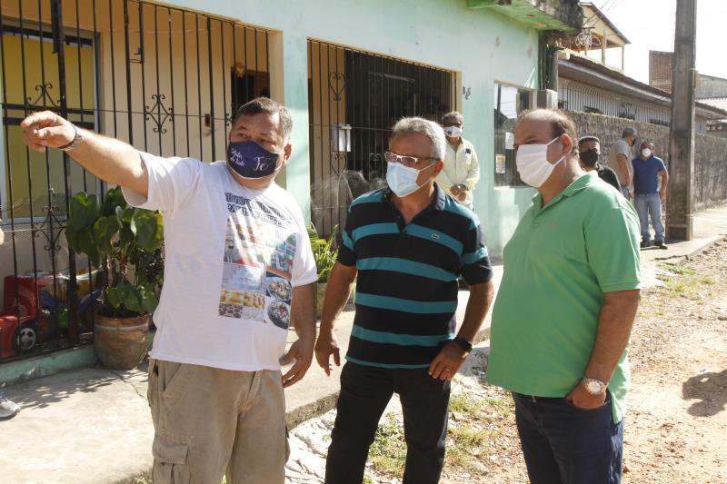 Prefeito Zenaldo Coutinho visita obras de pavimentação do Conjunto Paulo Fonteles.