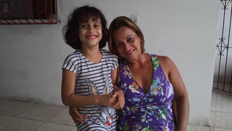 Narija Núbia Pompeu, mãe da Avitória Izabela, aluna da Escola Municipal de Ensino Fundamental Pedro Demo, em Outeiro.