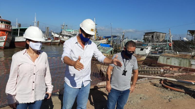 Equipes da prefeitura vistoriam as obras da avenida Bernardo Sayão