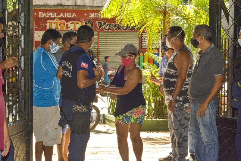 Todas as medidas de segurança foram tomadas para o acesso de pais e responsáveis na entrega dos kits.