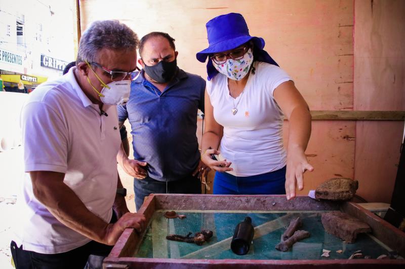 Os serviços na João Alfredo estão sendo acompanhados por um grupo de arqueólogos, por ser tratar de uma área do centro histórico e patrimônio tombado pelo Instituto do Patrimônio Histórico e Artístico Nacional (Iphan).