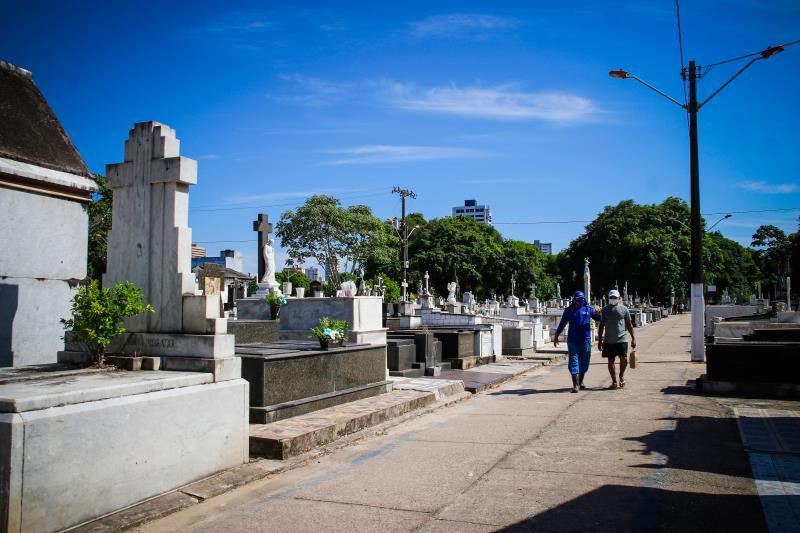 O domingo de Dia dos Pais foi marcado pela tranquilidade os cemitérios.