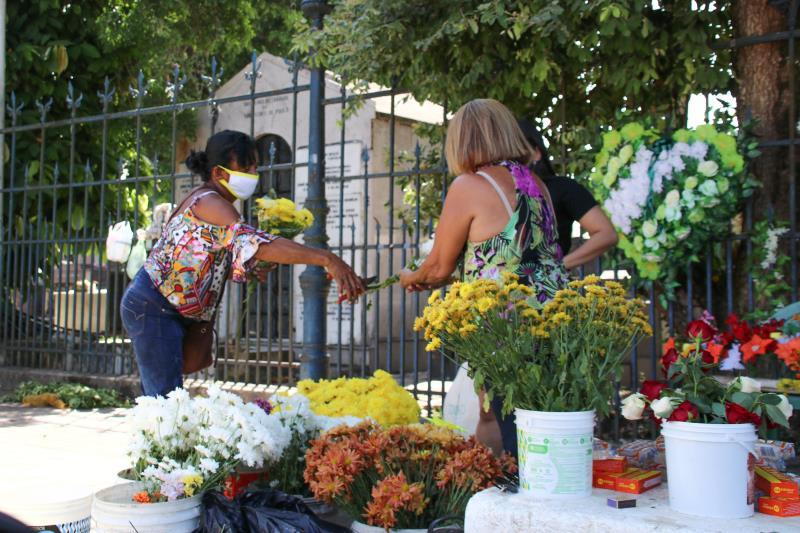 Os vendedores de flores também se queixaram do fraco movimento.