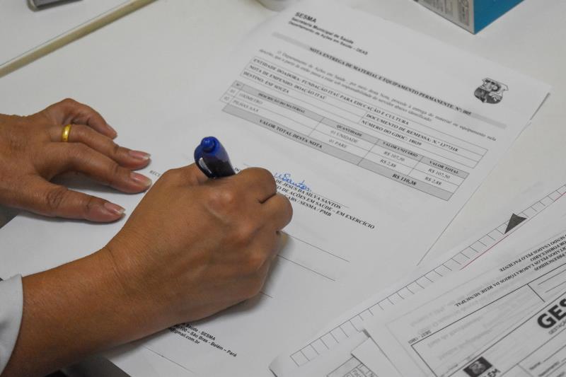 Na manhã desta segunda-feira, 10, a Secretaria Municipal de Saúde (Sesma) recebeu da Fundação Itaú, 218 oxímetros para serem distribuídos para as 87 Unidades Básicas de Saúde, Unidades de Pronto Atendimento (UPAs), Pronto Socorros, equipes do Consultório na Rua e do programa Melhor em Casa.