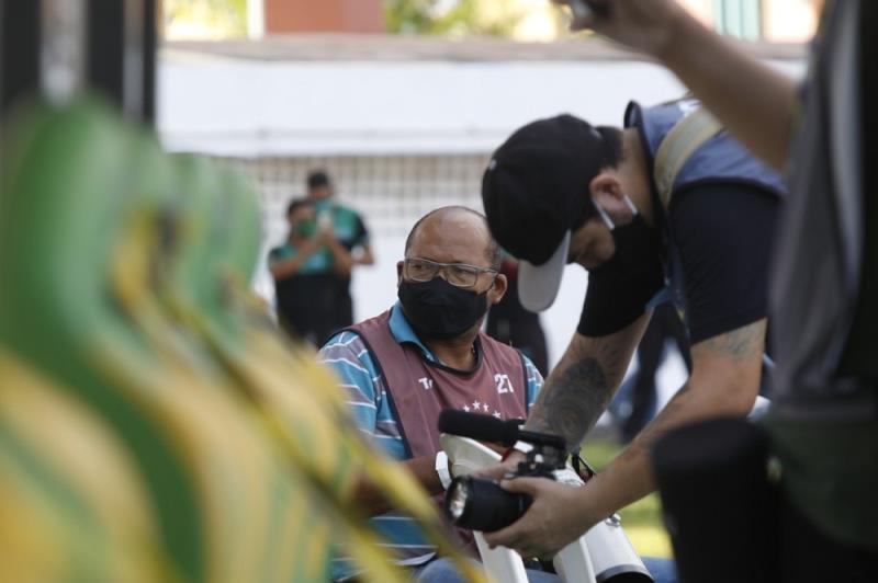 O Cristino Martins estava meio escondido, mas foi encontrado