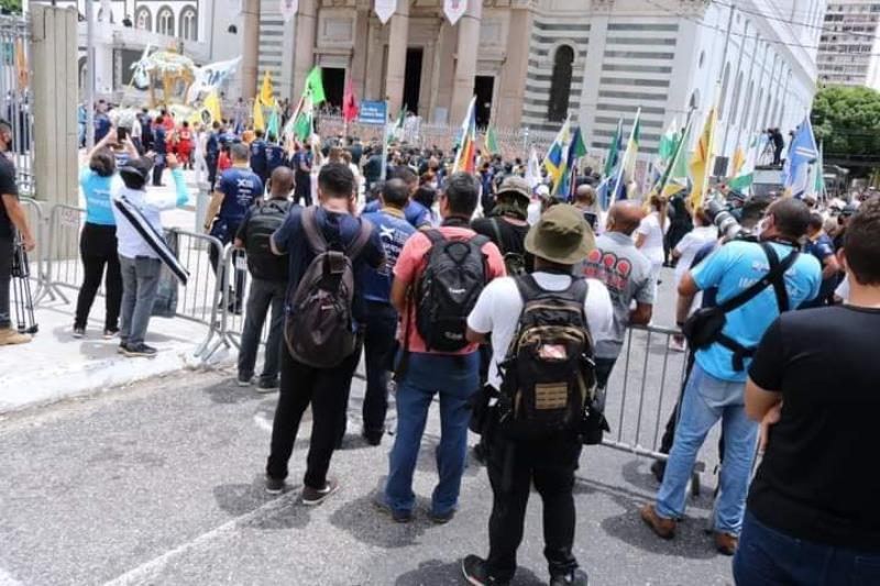 Uma boa parte da imprensa ficou de fora da Basílica no dia do Círio de Nazaré