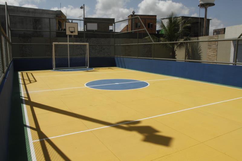 A nova praça Benedito Monteiro, conta, também, com quadra de esportes.