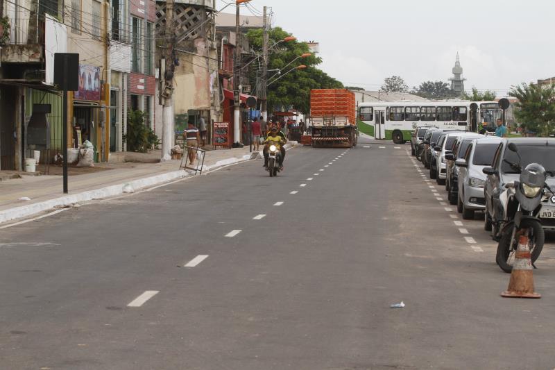 O trecho entregue foi entre as ruas Mundurucus e Tamoios, que passou por micro e macrodrenagem.