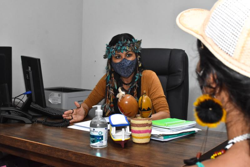 Ouvidora-geral, Márcia Kambeba, em reunião com lideranças indígenas