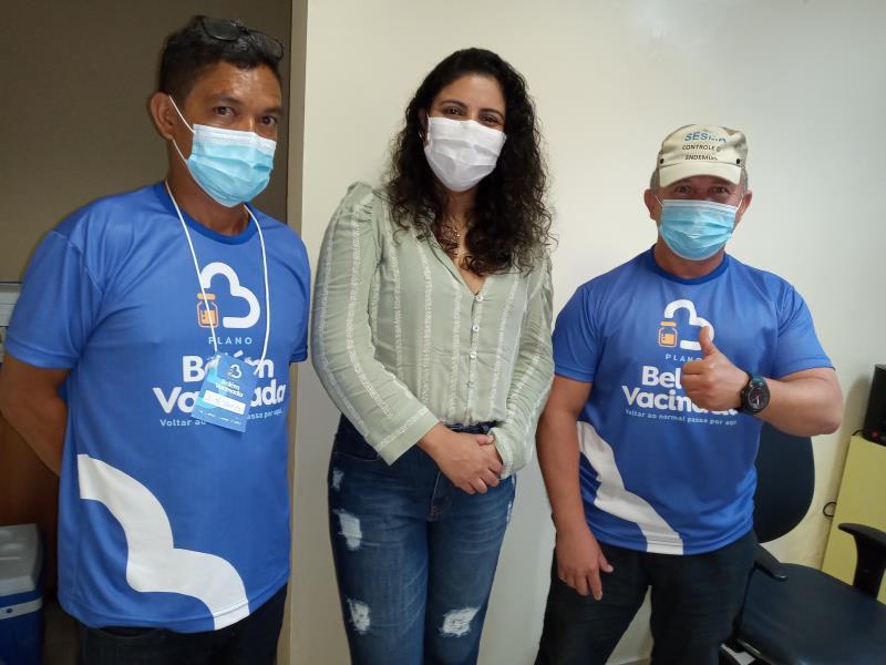 A agente distrital de Mosqueiro, Vanessa Egla, acompanhou a primeira etapa dee vacinação dos servidores de Saúde.