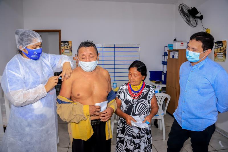 62 indígenas Warao do abrigo municipal foram vacinados