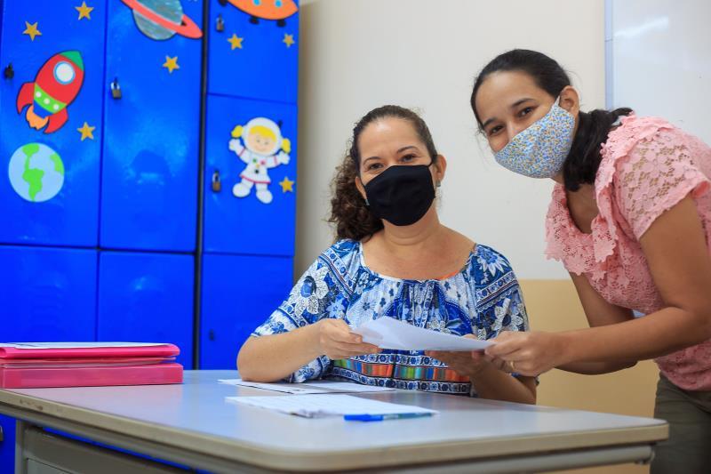 A professora Sheila Silva construiu um plano de ensino, que foi compartilhado com a mãe de Miguel, Delcinalva Siqueira.