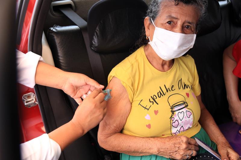 Encerrada etapa de vacinação da segunda dose dos idosos de 83 anos nesta terça, 16