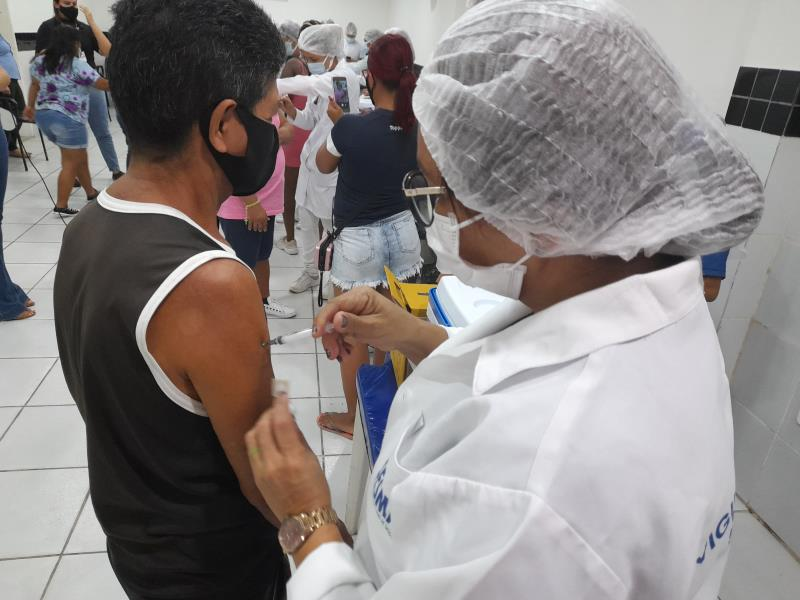 Sesma disponibiliza 19 postos para vacinar grupo com comorbidade.