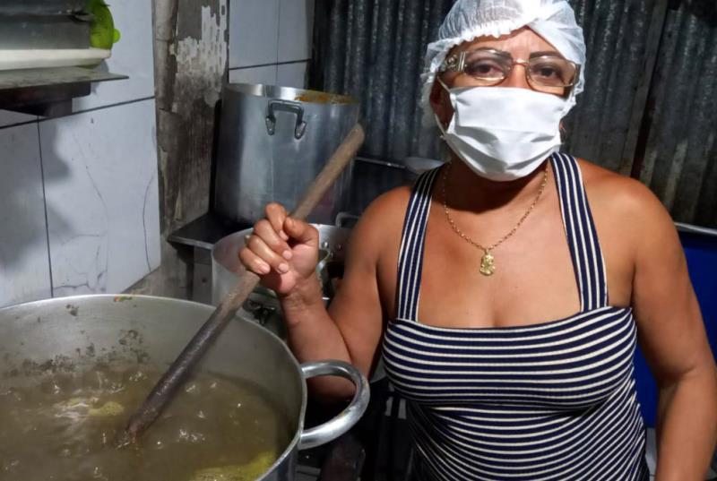 Trabalhadores(as) informais tiveram que se reinventar na pandemia e Diva Gomes é um exemplo.