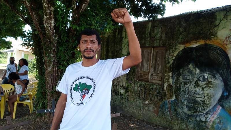 """Antônio Agnor, dirigente do MST, em Mosqueiro. """"Esperança renovada nestes 22 anos de assentamento""""."""