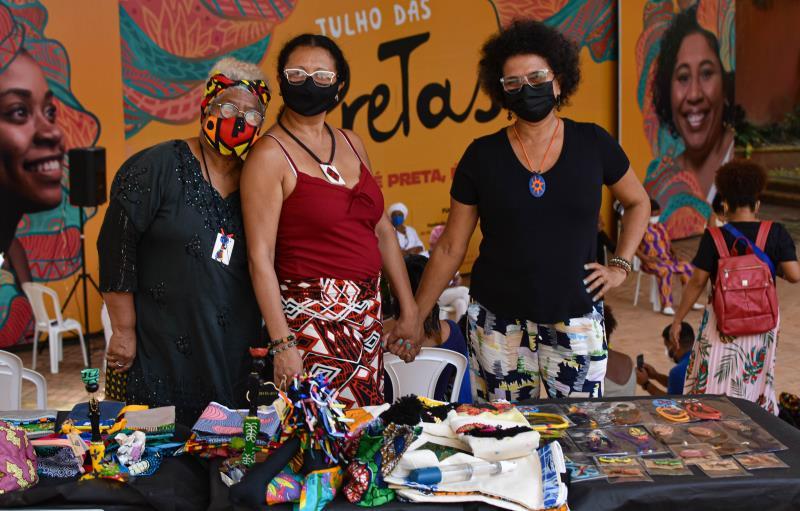Integrantes do coletivo Pretas Paridas da Amazônia expõem no evento em homenagem ao Dia Internacional da Mulher Negra Latino-Americana e Caribenha