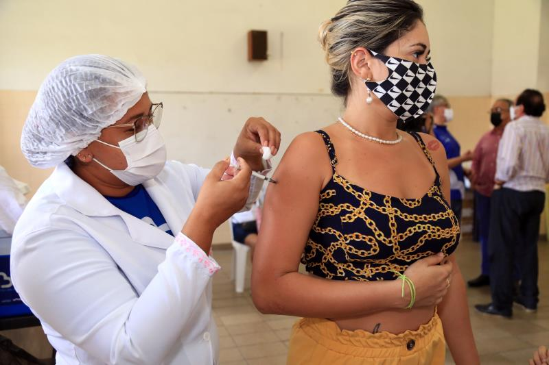 Vacinação de Belém nesta quinta-feira, 22, contemplou os jovens nascidos em 1992