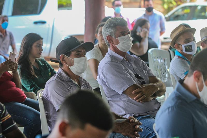 Produtores rurais acompanhando o Seminário de Agricultura Familiar