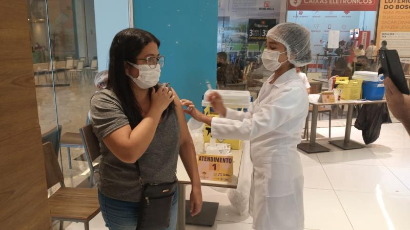 A meta da Sesma é vacinar 100 mil pessoas até o próximo sábado, 4, entre primeira e segunda doses.