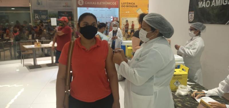 Com esta ação, a Secretaria Municipal de Saúde alcança 103 mil pessoas vacinadas de segunda a sexta