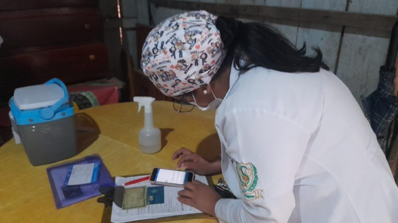 Seguindo o calendário de vacinação da semana, a Secretaria Municipal de Saúde (Sesma) colocou as equipes nas ruas para atender, em casa, quem não pode sair para receber as doses nos pontos de atendimento.