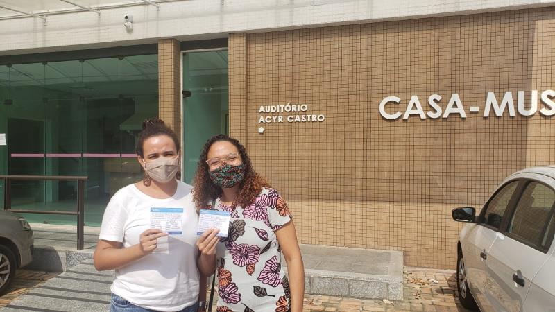 Jéssica Belém e Carolina Oliveira da comunidade do Cravo de Concórdia receberam a segunda dose da vacina contra covid nesta terça-feira, 14