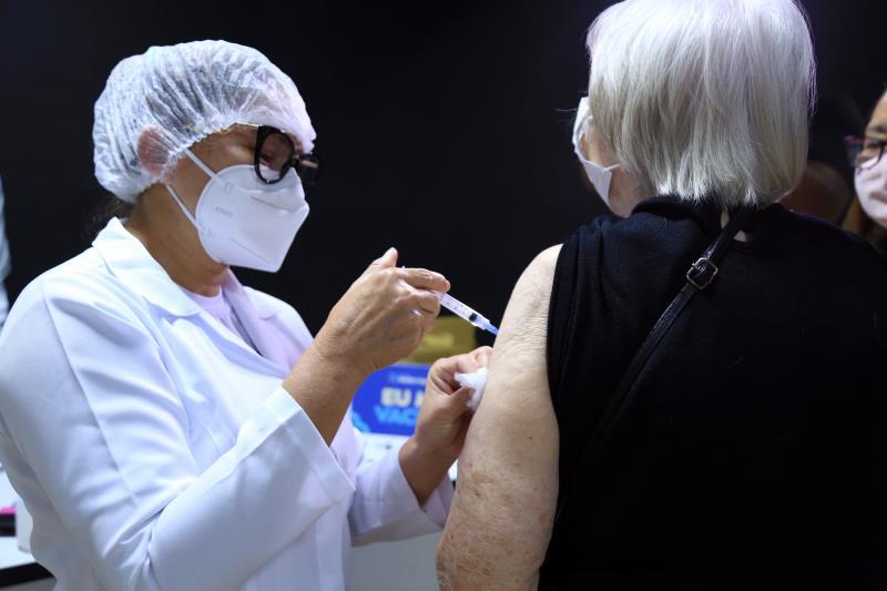 Novo calendário de vacinação contra a covid-19 abrange vários grupos