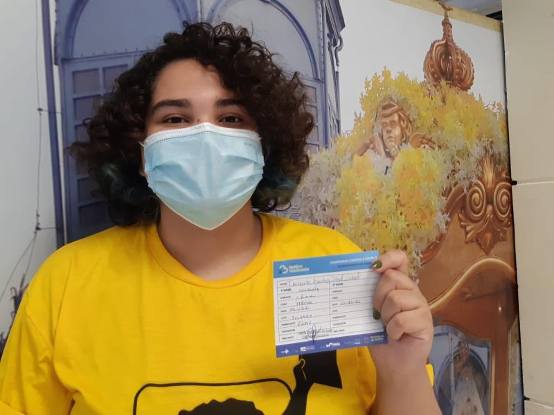 Fernanda Cabral, 17 anos, foi uma dos quase 15 mil adolescentes que receberam a vacina contra a covid-19, neste sábado, 25, em Belém