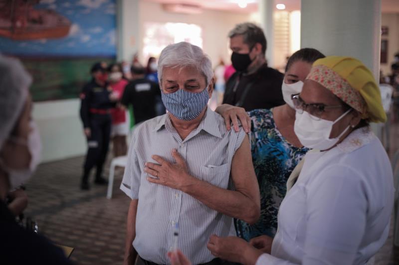 Para o aposentado Marco Aurélio Proença, 83 anos, a vacina é uma garantia de segurança a mais contra o coronavírus.