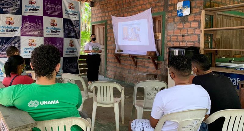 Profissionais das cozinhas de restaurantes da ilha do Combu participam de palestras preparatórias ao circuito Gastronomia nas Ilhas