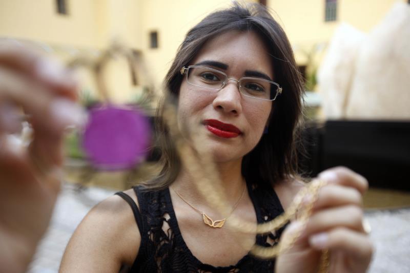 A designer de joias Brenda Lopes, integrante do Programa Polo Joalheiro do Pará, também foi uma das selecionadas no AuDITIONS Brasil