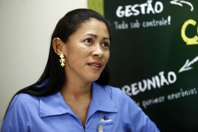 Cristiani Sousa é moradora de Barcarena, trabalha na fábrica desde setembro de 2002 e hoje é responsável pelos recrutamentos