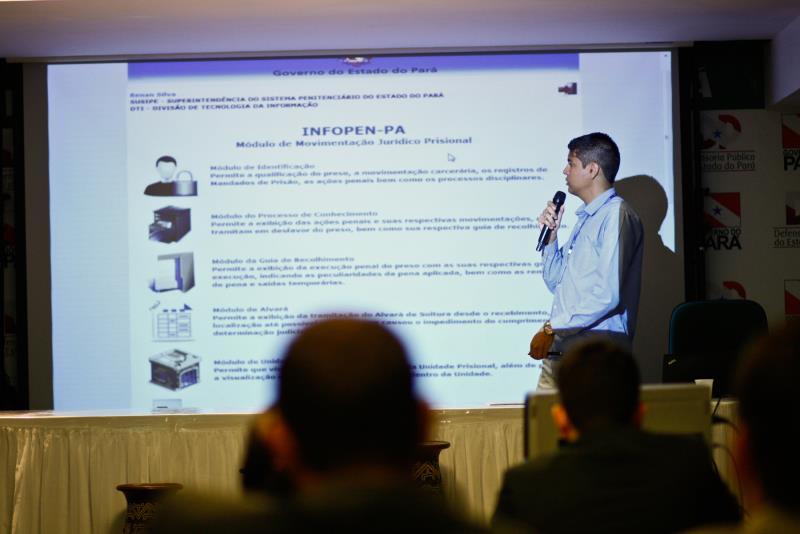 Durante o encontro, o desenvolvedor do Infopen pela Susipe, Renan Silva, explicou o passo-a-passo de todo o funcionamento do programa
