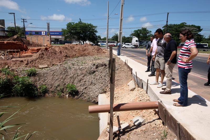 A primeira etapa da obra de prolongamento da avenida incluiu serviços de terraplenagem, drenagem e pavimentação de nove quilômetros